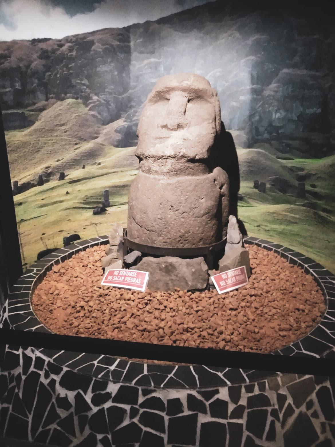 Réplica de Moai